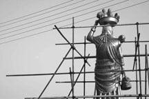 عکس مجسمه زن روستایی